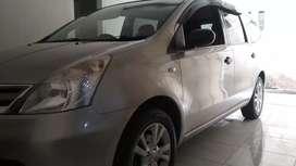 Nissan GRAND LIVINA 1.5 SV TAHUN 2011