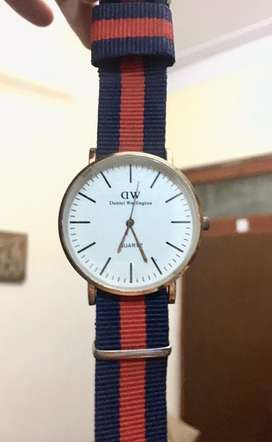 Brand new Unisex watch with box in just 250rs