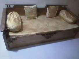 Sofa made up of sagvan wood