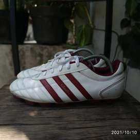Sepatu Bola Adidas Questra TRX HG White Red