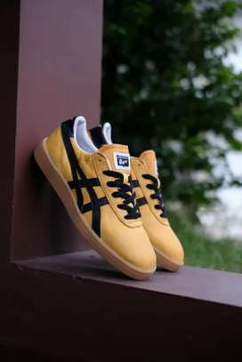 Onitsuka Tiger Yellow Black