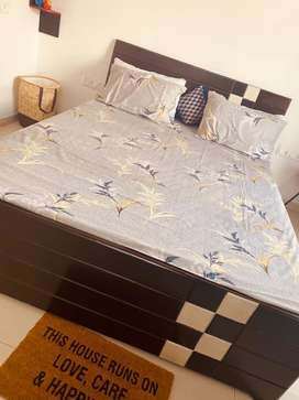 4 month old queen size bed newly customised with storage space