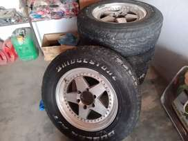 Tair 17 size with rims selling alley rims in taunsa city