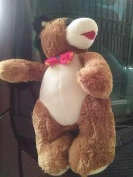 Boneka beruang Marsha