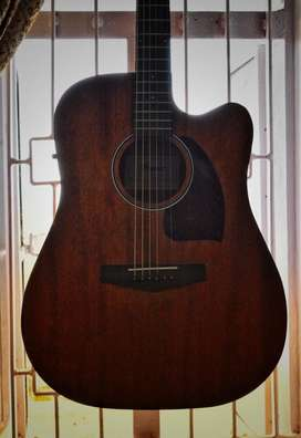 Semi-Acoustic guitar Ibanez open pore only one year old from buying.