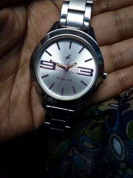 Fastrack watch @700rs