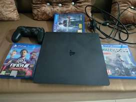 Brand new ps4.