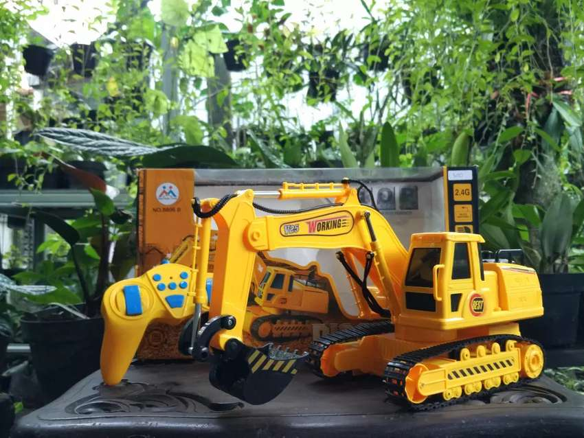 RC Digger Excavator Backhoe Truck Bego Bisa Bergerak Seperti Aslinya