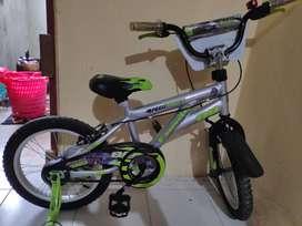 Sepeda Anak Family ukuran 14 .