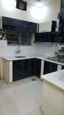 5marla double story house 4bed tvl dd for rent in r2 Block johar town