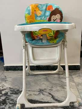 Child feeding  table of fishar price company. Its moveble with 4 wheel
