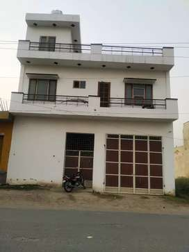 Zira gate rakhri road near kidzee ferozpur 12 marle 3year old house