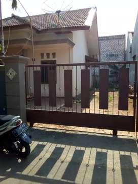 Dijual rumah lokasi strategis di dalam Kota Tuban