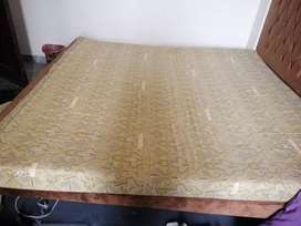 Dura Royal prince king size foam excellent condition thickness 5.5 inc