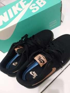 Dijual sepatu Nike SB Solarsoft  Ukuran 38 ori 100%