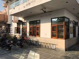 2bhk fully furnished accommodation in a premium location