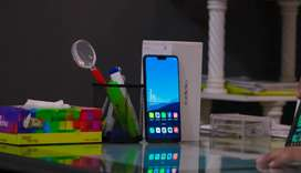 Oppo F7. The rare Phone in Oppo smart phone. Read details.
