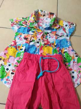 Cuci gudang baju anak 1 stell uk 2-4 thn..