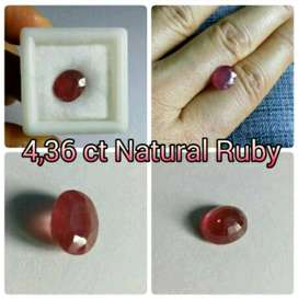 OVAL FACET PURPLISH RED 4,36 ct Natural Ruby Madagascar