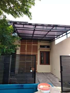 Disewakan rumah di Kartasura, pinggir jalan besar, cocok buat usaha