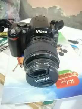 D40 with 18 55 mm lense, battery, charger