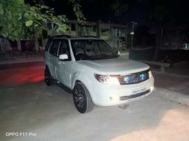 I m selling Safari storme first owner