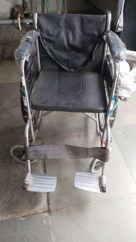 Wheel chair for petaiont
