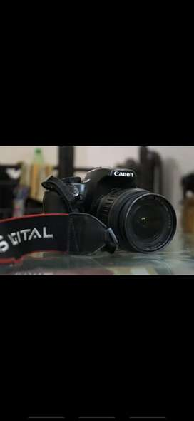 Canon eos 1000d good condition..urgent sale!!