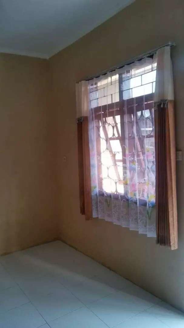Kontrakan Rumah daerah Cibeureum, kamar mandi dalam, 1 kamar 0