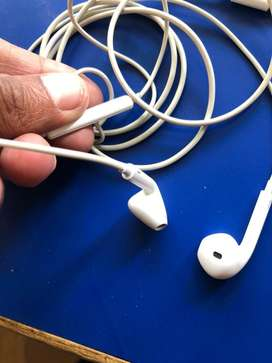Iphone x earphone 3 months old original