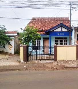 Disewakan 1 Rumah di Jalan Rancakalong Tanjung Sari Sumedang