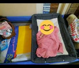 Tempar tidur bayi satu pake sm kasur dan tempat habis madi dan mainan