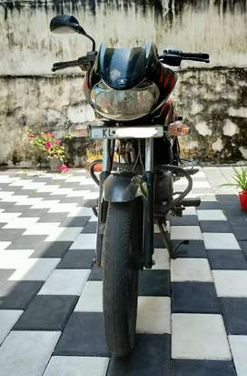Company serviced 2013 bajaj DISCOVER 150cc 5 speed(Black n Red)