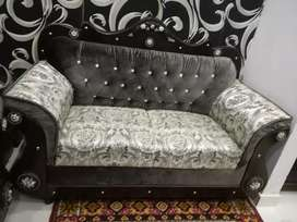 6 seater big luxury solid wood like new only 5 month use for sale