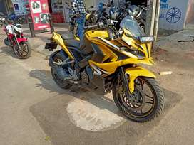 Rs200 yellow black Red 2016 showroom condition single hand