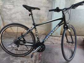 Cannondale quick 4. Frame size M.