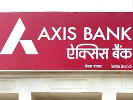 Hiring in axis bank, male and female can apply.