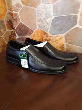 HANDYMEN LEATHER FORMAL SHOES.