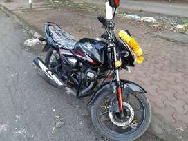 This is hero Honda bike. Well maintained, also smooth pick