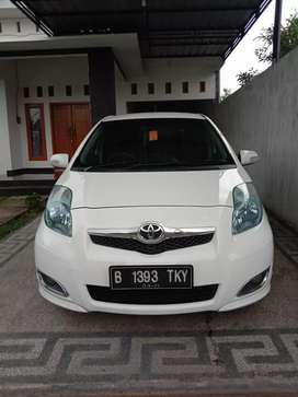 Toyota Yaris E 2011 Manual Full Original