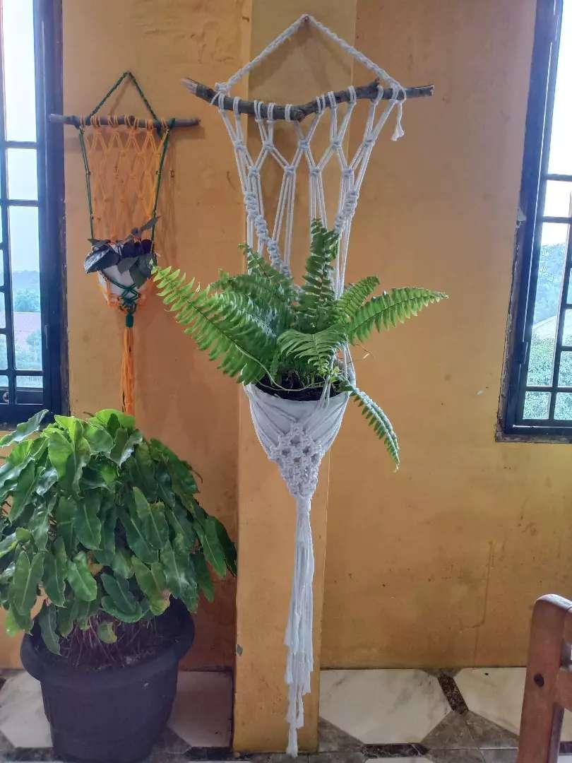 Makrame Gantungan Bunga Pot Handmade 0