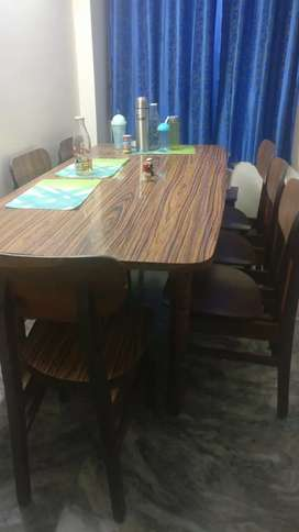 Best condition 6 seat dining table