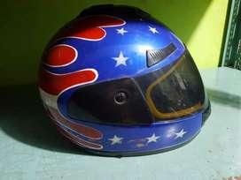 Helm bekas masi bagus
