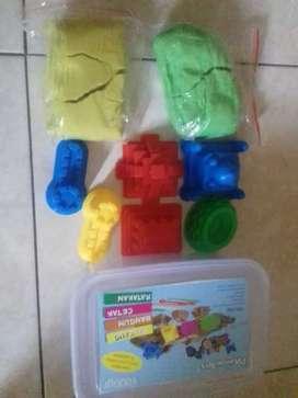 Mainan pasir dan cetakan