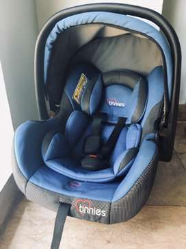 Car Seat and carry cot