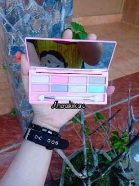 Eyeshadow Nanda kotak pink