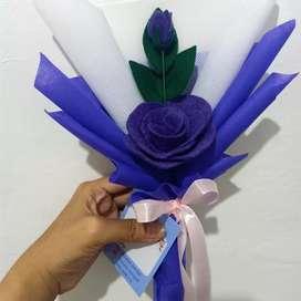 Bucket bunga flanel