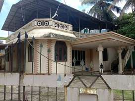 10 cent land house for sale at Vytila chalikkavattom.