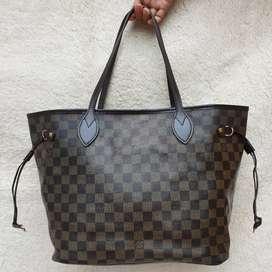 Louis Vuitton Neverfull ebene