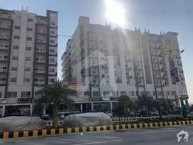 3 Bed Apartment for Sale in Gulberg Green, Diamond mall and apartments